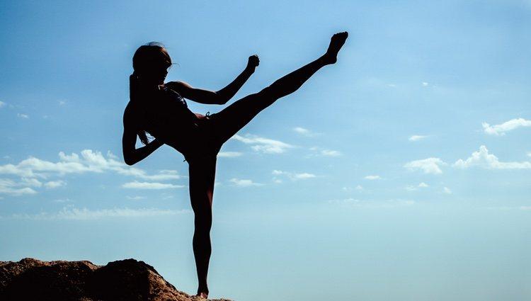 Combina las artes marciales con el yoga