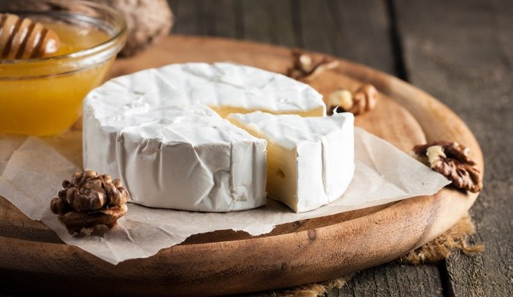 El brie es un queso de leche de vaca blando