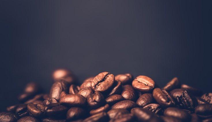 Tomar cafeína provoca la inhibición de la absorción del calcio