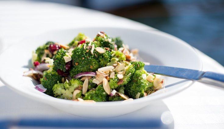 Para la ensalada hay que vigilar el punto de cocción del brócoli para que no se pase
