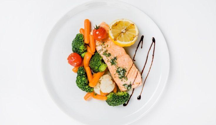 Acompaña al salmonete con u puré de brócoli