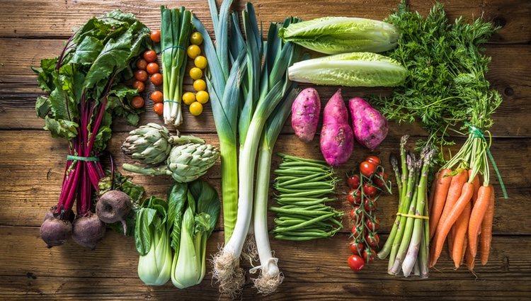 Las verduras sin cocinar contaminan y manchan menos