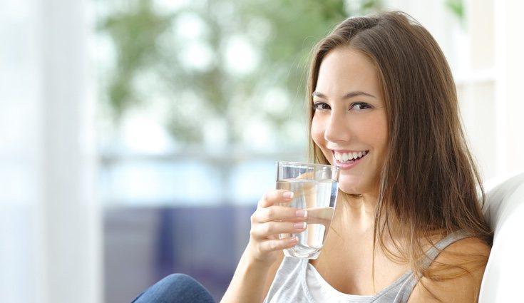 El agua cumple una función vital en nuestro organismo