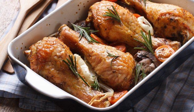 El muslo asado es una de los trozos que menos calorías tiene