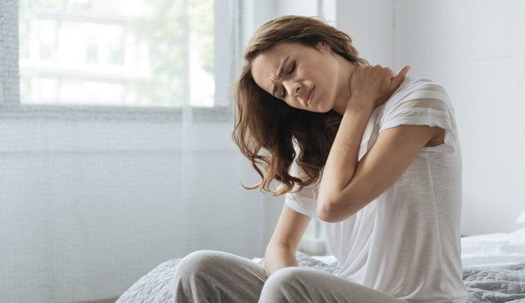 Durante la práctica de abdominales multitud de gente se daña la zona del cuello