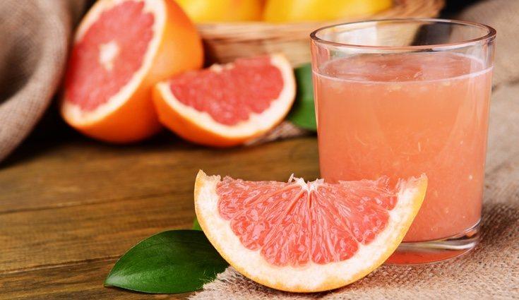 El zumo de pomelo natural es un gran aliado en las dietas
