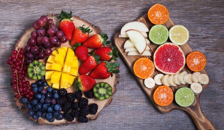 Deben evitarse para cenar los kiwis, las fresas, las frambuesas y el mango