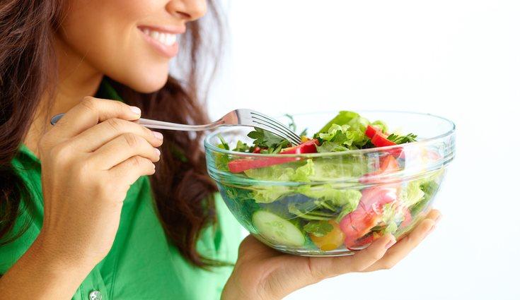 Come de forma saludable y notarás la eliminación de líquidos en tu organismo