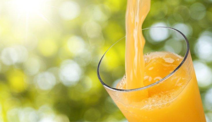 Se recomienda consumir zumos naturales ya que contienen menos azúcares