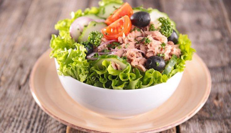 Una ensalada de atún es una buena opción