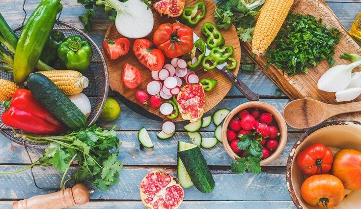 Hay mucha variedad de alimentos a la hora de hacer una ensalada o un plato de verduras