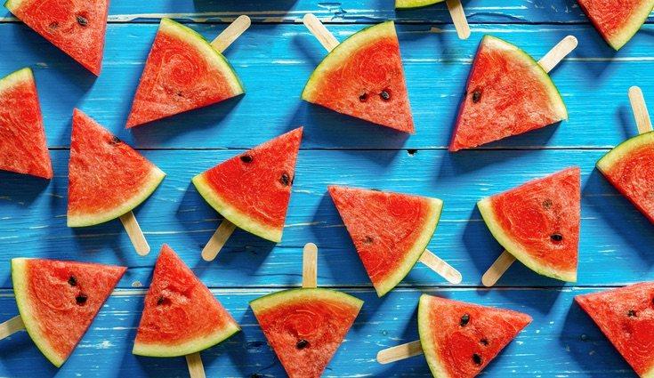 La sandia es la fruta más elegida por todos durante el verano, sobre todo por los niños