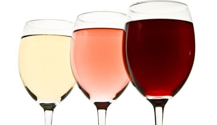 El vino blanco engorda menos que el vino tinto
