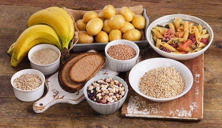 Se recomienda comer hidratos de carbono antes de hacer ejercicio por su fácil combustión
