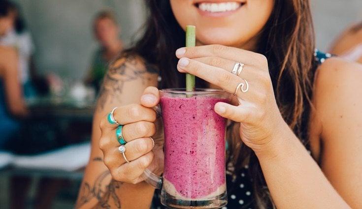 Los moothies de frutos rojos son muy beneficiosos para la salud