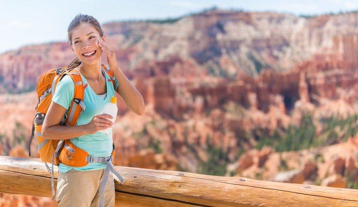 Andar en horas de mucho calor puede provocar insolación y golpe de calor