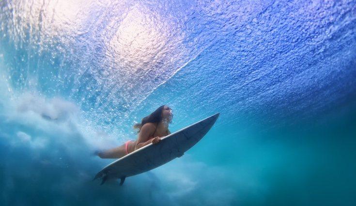En verano es aconsejable practicar surf, natación, buceo, deportes acuáticos