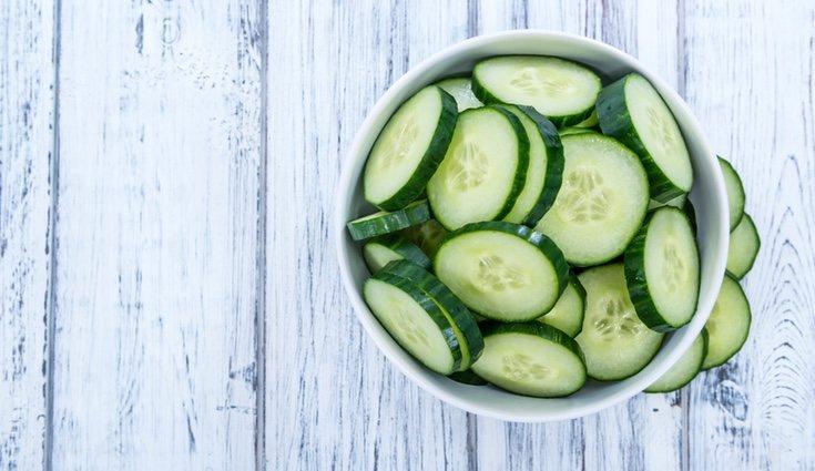 La ensalada de pepino es uno de los platos más refrescantes y veraniegos