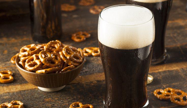 La cerveza negra no tiene muchas calorías