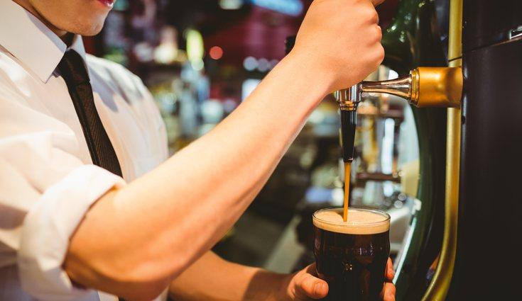 La cerveza negra si se bebe con moderación puede ser beneficiosa