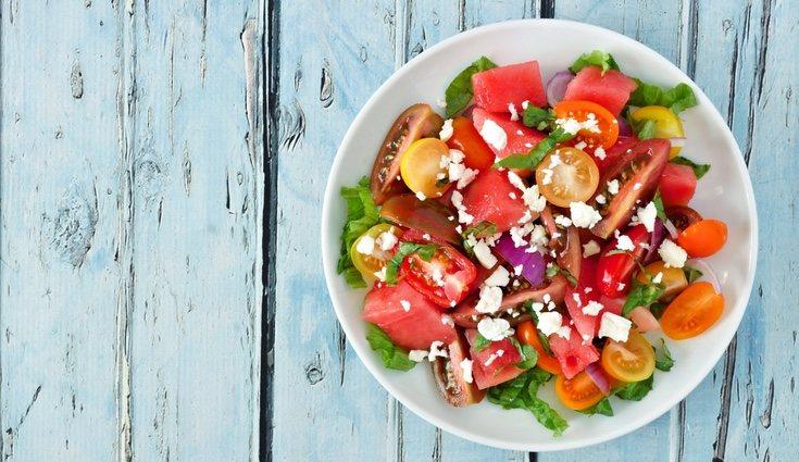 Las frutas dan frescor a los platos veraniegos