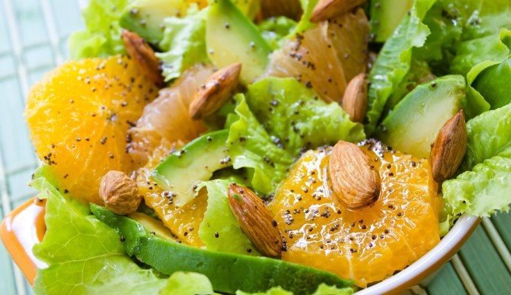 La ensalada de naranja ya aguacate es perfecta para los días calurosos