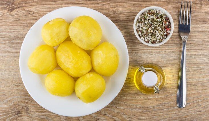 Las patatas hervidas son una opción saludable y poco calórica