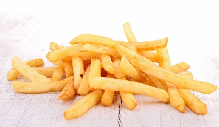La peor manera de cocinar la patata en lo equivalente a calorías es frita