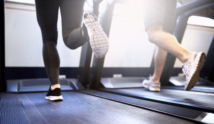 Los ejercicios de glúteos deberás completarlos con cardio