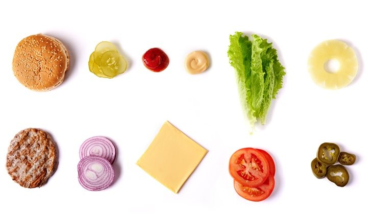 Una hamburguesa puede suponer la mitad de la ingesta total de calorías por día