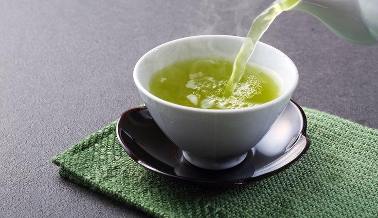 Aumenta la temperatura del cuerpo y estimula las reacciones metabólicas