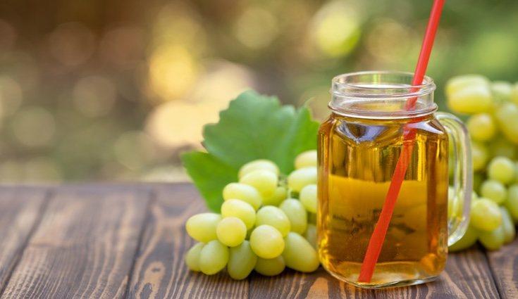Contiene ácido elágico que evita el desarrollo de ácidos grasos